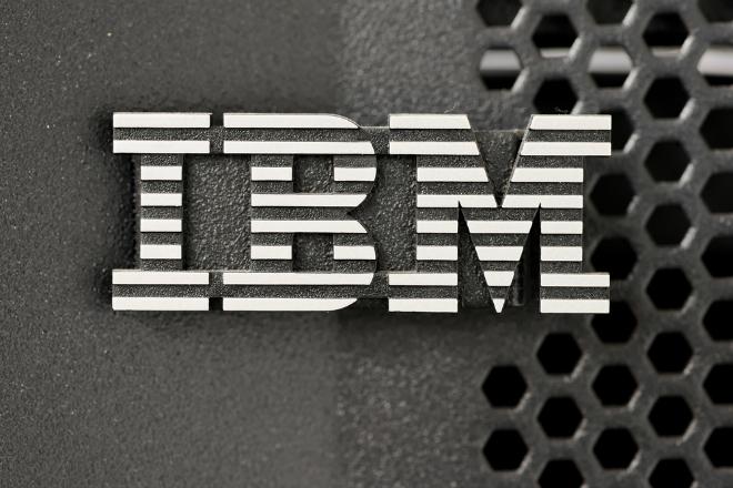 IBM10shuttestock