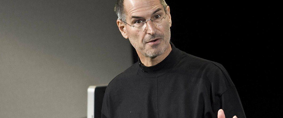 La camiseta negra de Steve Jobs podría venderse hasta por 3 mil dólares