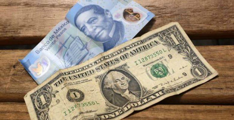 Dólar registra nuevo máximo de 19.56 pesos