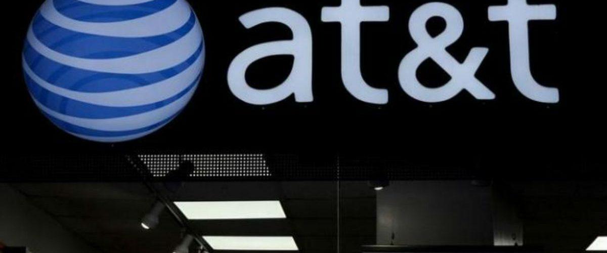 ¿Qué significa para México la mega fusión entre AT&T y Time Warner?
