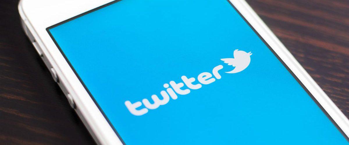 Acciones de twitter se desploman