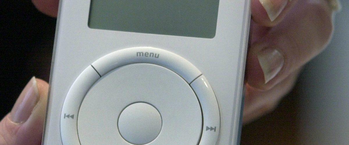 Si hubieras comprado acciones de Apple en lugar de un iPod, hoy serías millonario