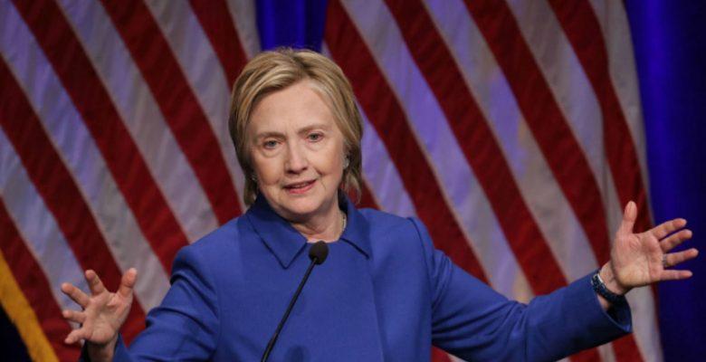 Clinton asume que su derrota fue por culpa de Rusia y el FBI