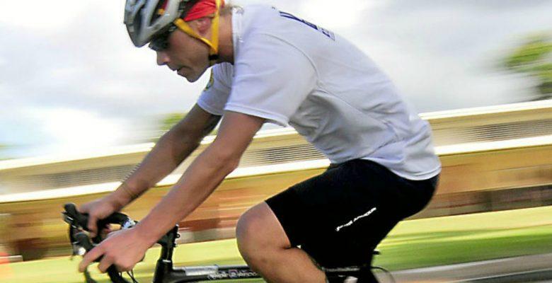 Este ciclista recorrió todo su país sin salir de su casa