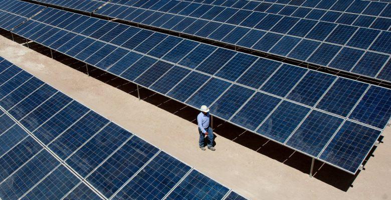 Estudiantes mexicanos desarrollan paneles solares inteligentes