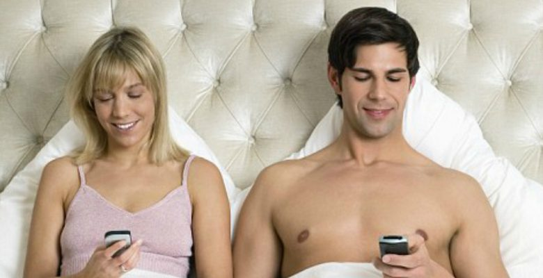 La humanidad contemporánea prefiere tener wifi que vida sexual