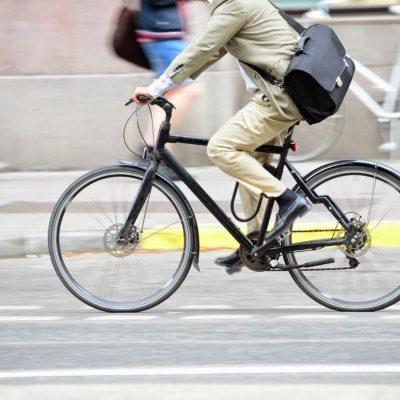 Si usas bici para ir a trabajar, el SAT te ayuda a deducir 25% de su valor