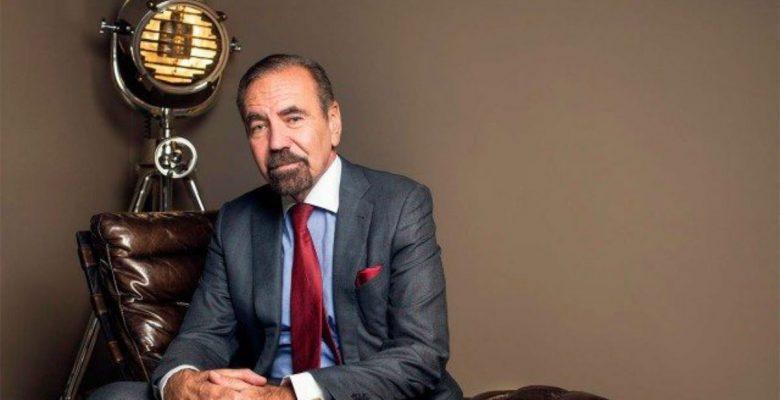 Este latino multimillonario rechazó la oferta de Trump para construir el muro