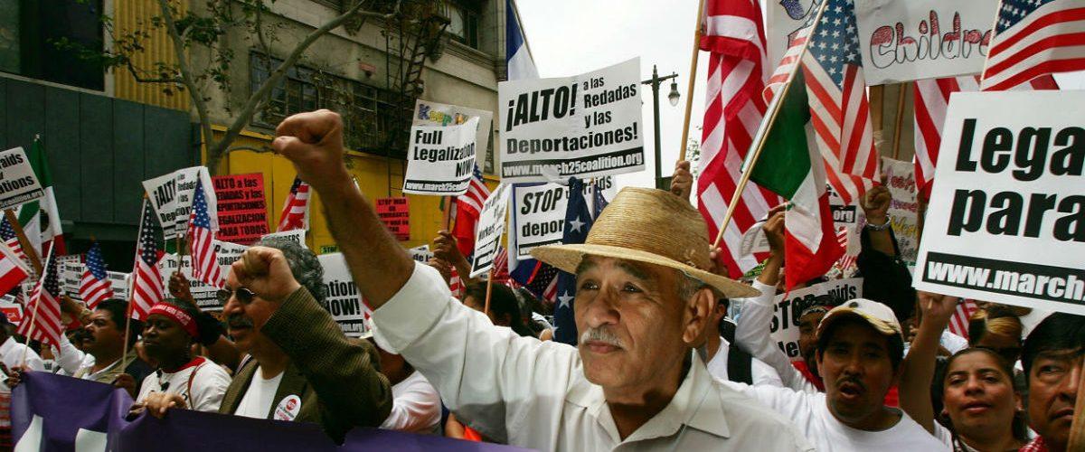 Los migrantes de EU ganan mejor que los profesionistas de México