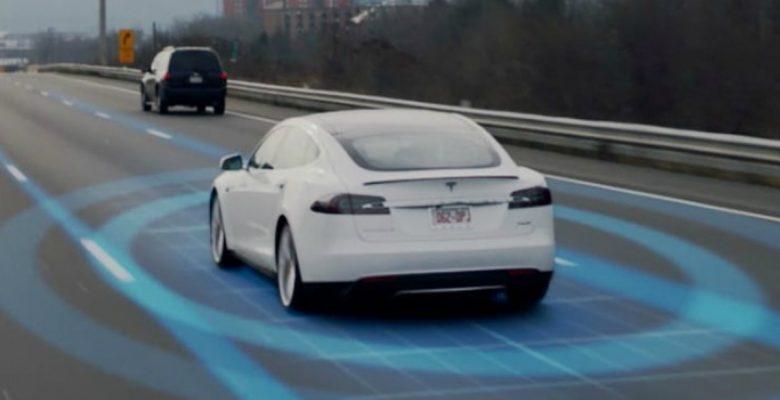 Dueño de un Tesla pudo haber destapado el engaño del Piloto Automático 2.0