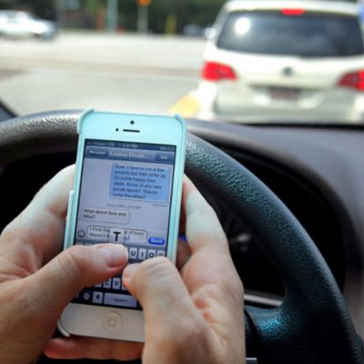 Si manejas sin utilizar el celular, podrías ganar gasolina gratis