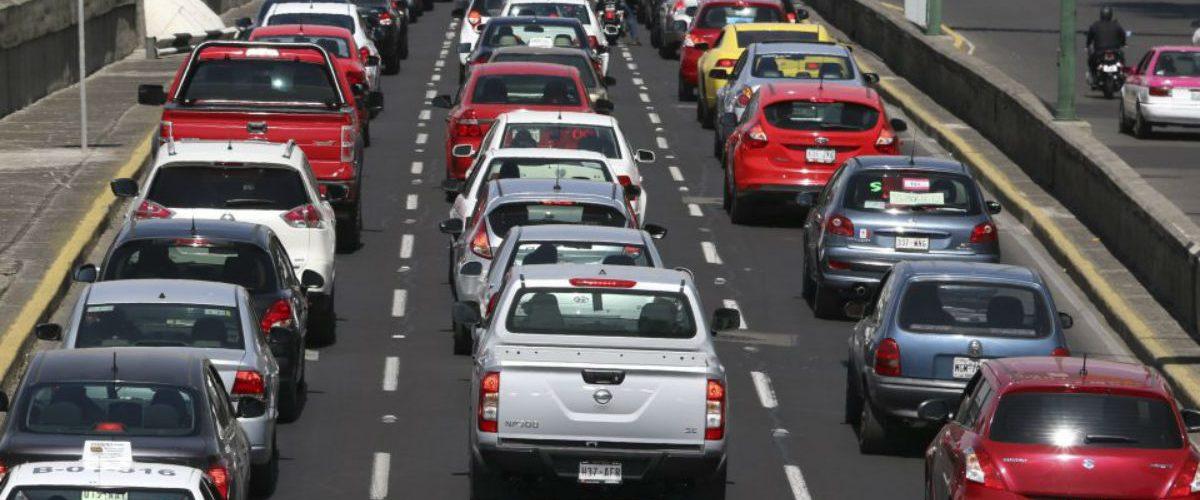 Los mexicanos pasan casi 4 años de su vida en el transporte