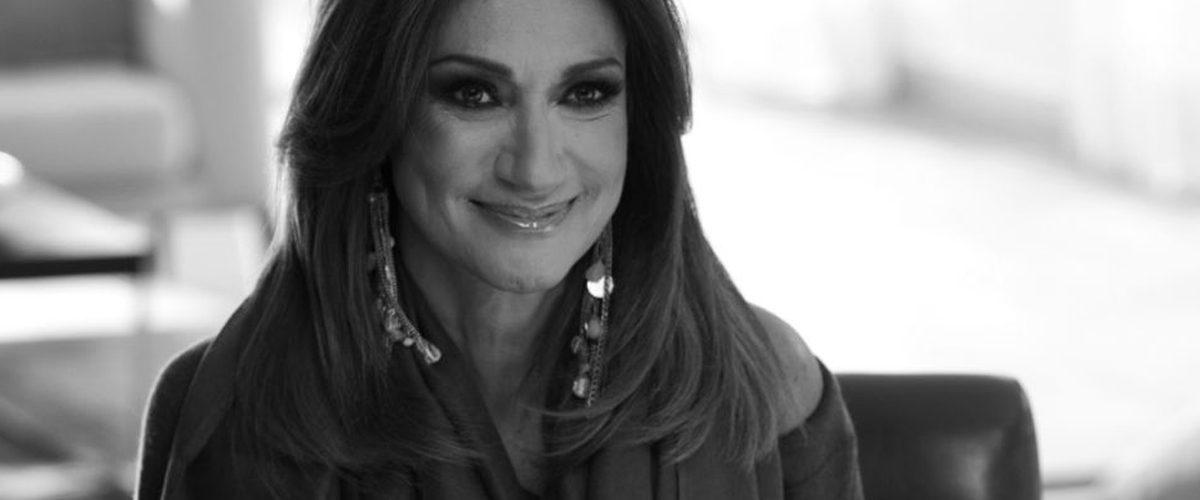 Adela Micha lanza noticiario en Facebook Live