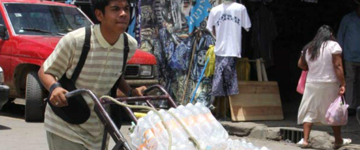 Mexicanos prefieren un empleo estable a pesar de que el salario sea bajo