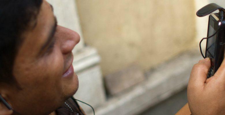 Competencia entre compañías telefónicas provoca caída del 7% en sus precios