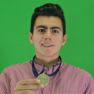 Tiene 17 años, es mexicano y es un genio de las matemáticas