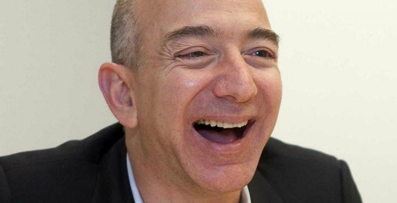 Él acaba de arrancarle la corona a Bill Gates del hombre más rico del mundo