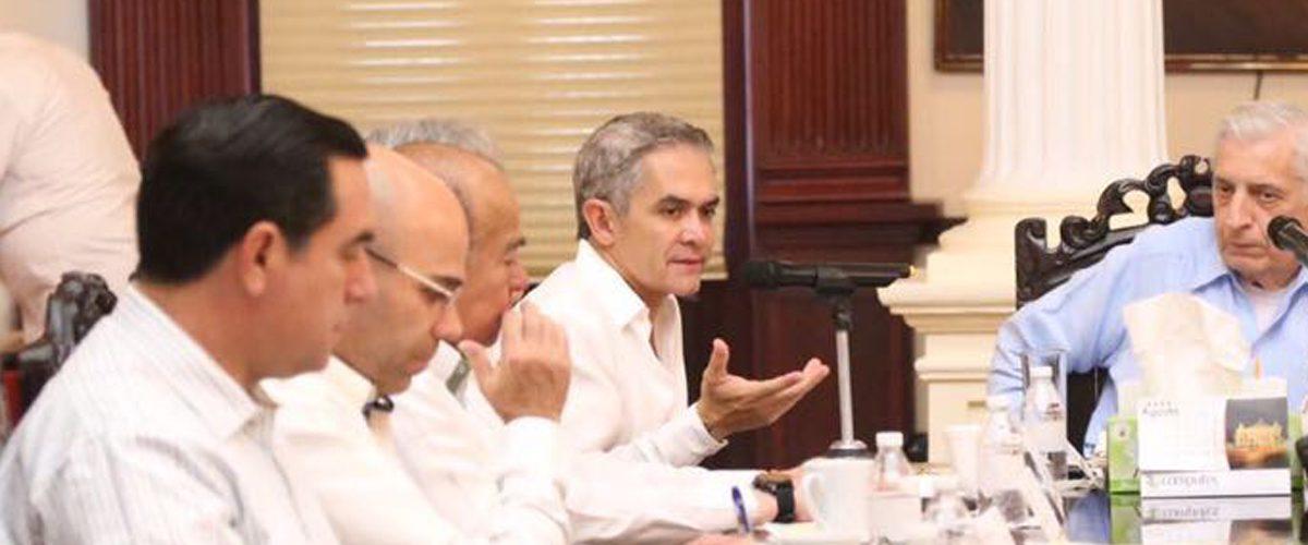 Mancera sostiene reunión de seguridad en Tabasco