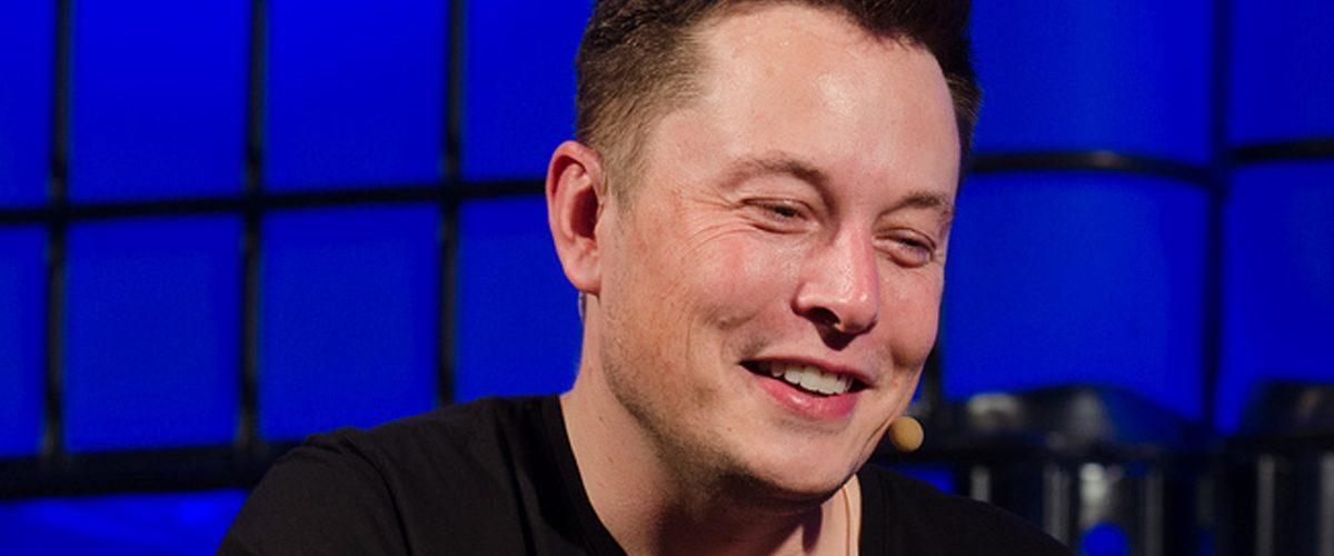 Elon Musk cuestionó a los terraplanistas…y ellos respondieron