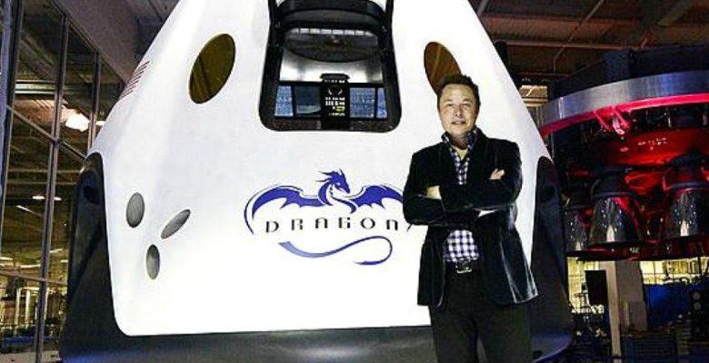 Elon Musk presentó el cohete Falcon Heavy, el más poderoso de sus creaciones