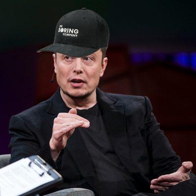 La última creación de Elon Musk se vende como pan caliente (y no es un Tesla)