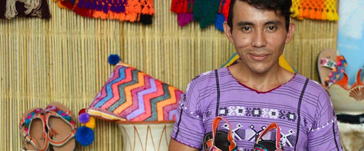 Empezó vendiendo huaraches en su natal Guerrero y ahora los exporta en Europa