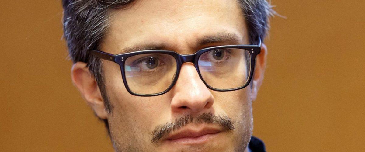Gael García y Alfonso Cuarón estallan contra el gobierno mexicano con estos tuits