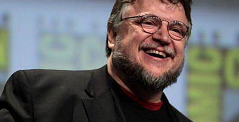 Así atacaron a Guillermo del Toro por su apariencia (y las redes respondieron)