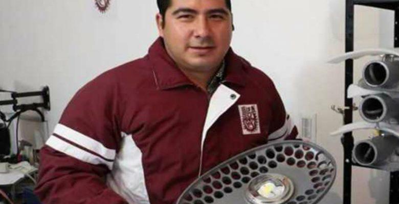 Genio mexicano desarrolló súper lámparas que alumbran México y EU