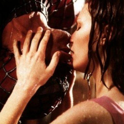 #Cotizados Estos son los 4 besos más caros de la historia
