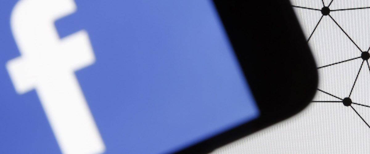 ¿Para qué usó Cambridge Analytica los datos de usuarios de Facebook?