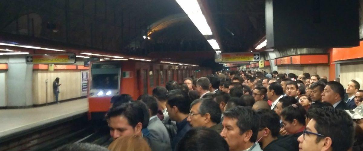 El Metro implementará brigadas para evitar tumultos y que mueras apachurrado