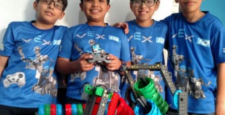 Niños mexicanos pueden quedarse sin ir al mundial de robótica sino consiguen dinero