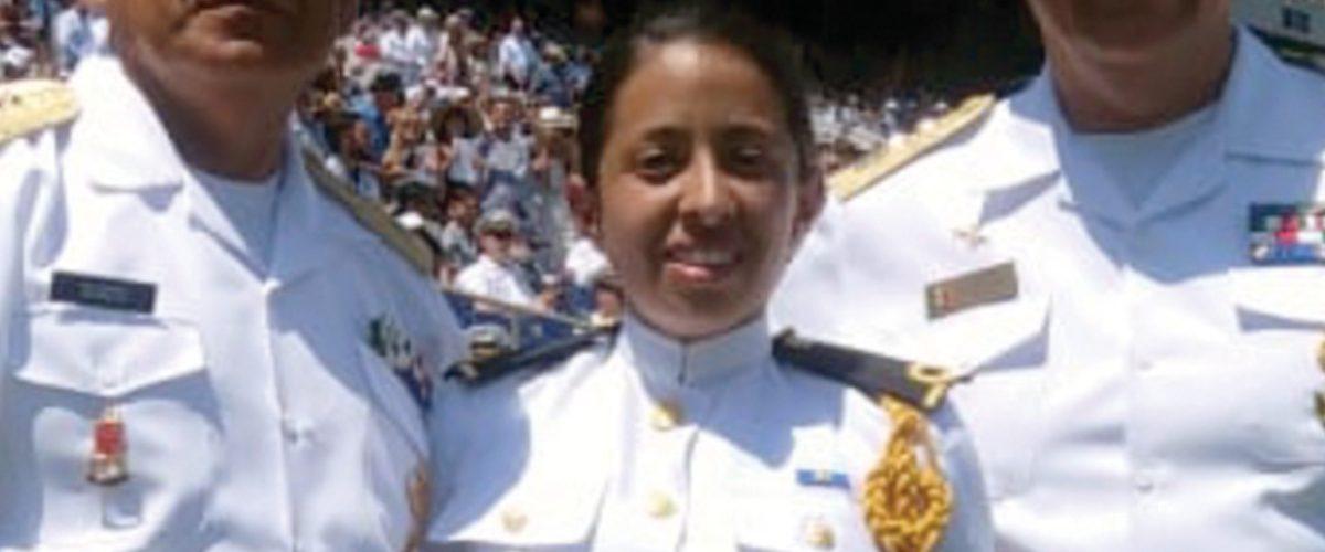 Mexicana se gradúa de la academia naval de EU y Trump estuvo presente