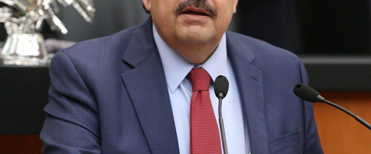Héctor Larios, representante de Anaya revela que podría votar por Meade
