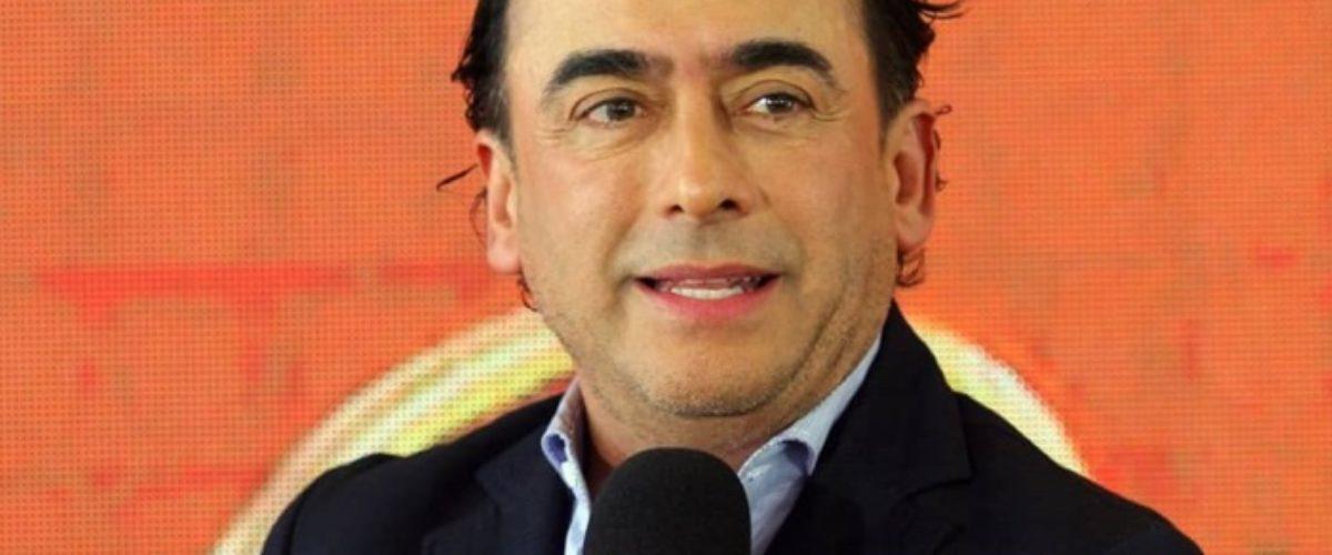 Televisa e Internet se burlan de Adal Ramones por irse a TV Azteca