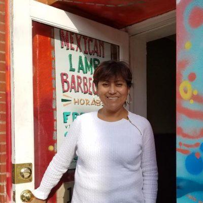La mexicana indocumentada que tiene los tacos más chingones de Barbacoa en EU