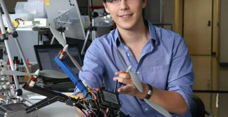 Mexicano abrió fábrica de drones y ahora desarrolla el software que los controla