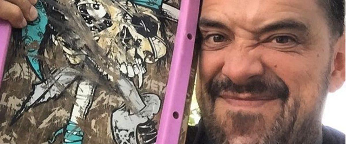 Él es el tatuador de Tepito que va dejando su huella en el cuerpo de los españoles