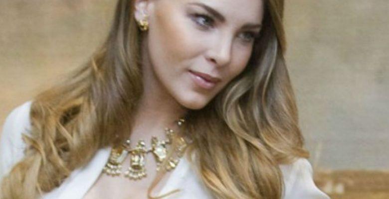 """#Locura Belinda incendia las redes con un video de """"amor"""" para AMLO"""