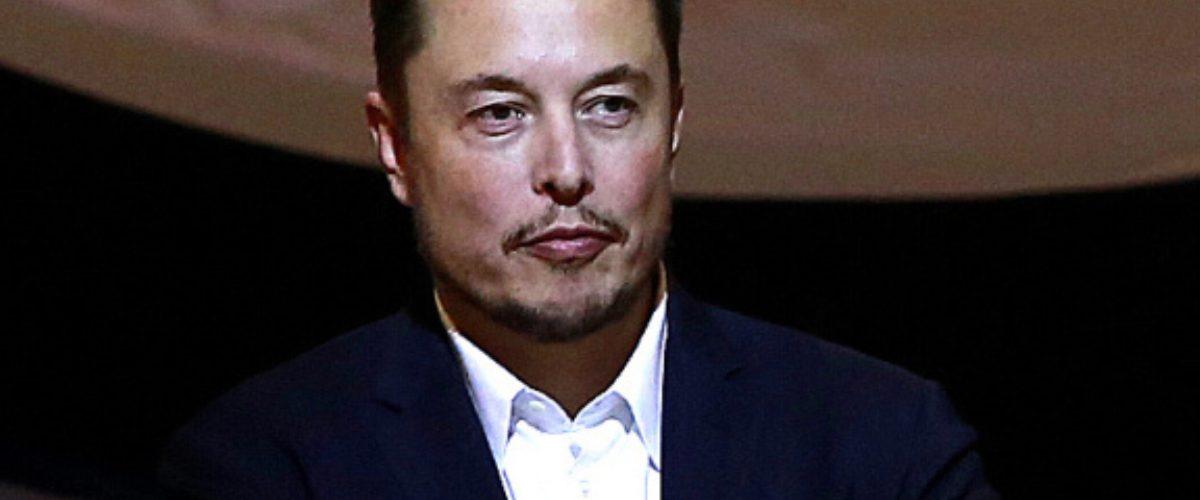 #DueloDeTitanes: Elon Musk hace enojar a Ford y le contestan con épico cachetadón