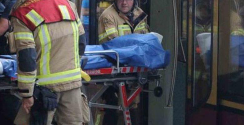 #Desgracia: Apuñalan a dos jóvenes mexicanos en el metro de Alemania