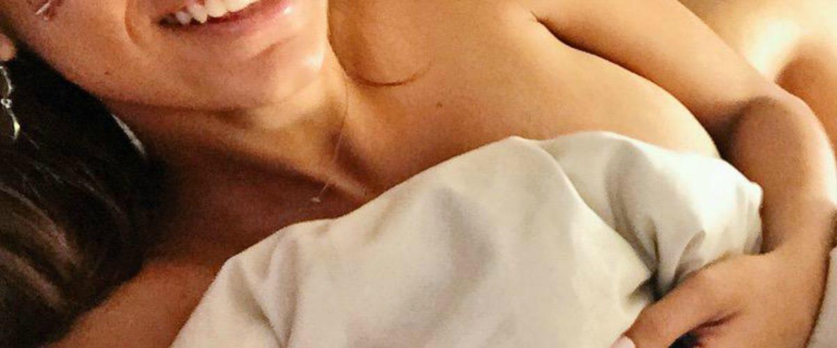 #SantoDios Mia Khalifa come desnuda hamburguesa en la bañera e Instagram arde