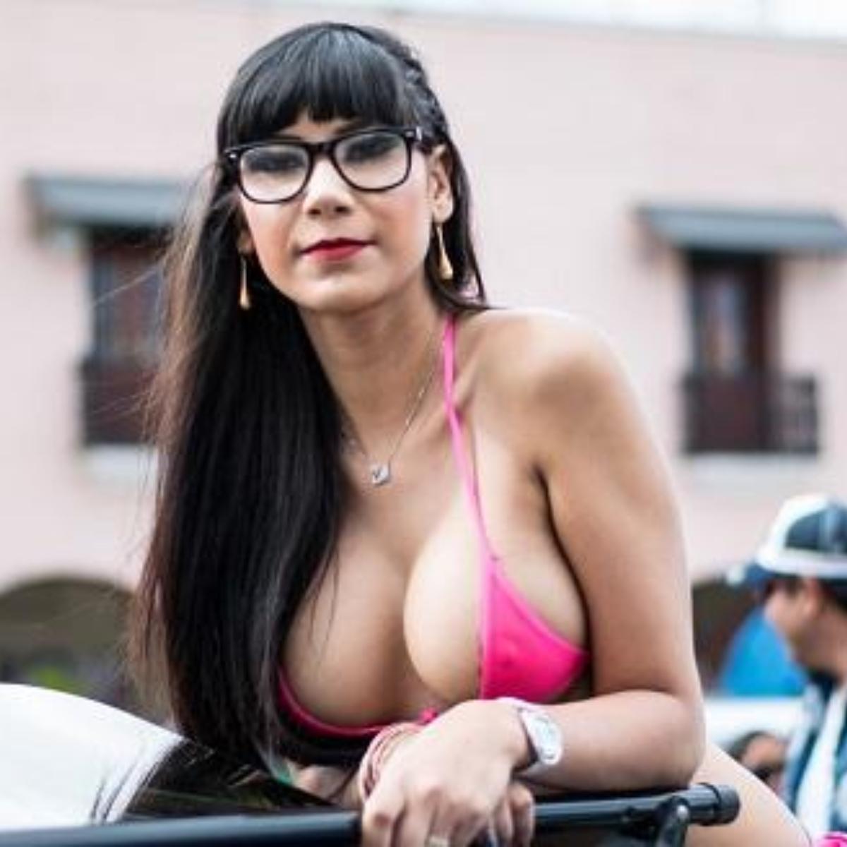 Actrices Porno Subamericanas detienen a actriz porno mexicana por desafiar la censura con