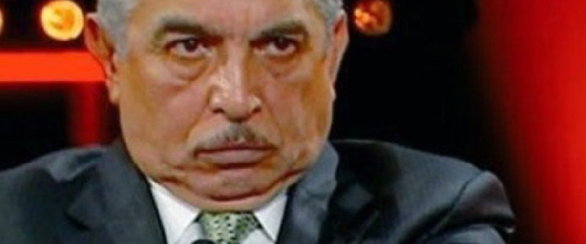 Carlos Marín se queda sin chamba y así recibió internet la noticia