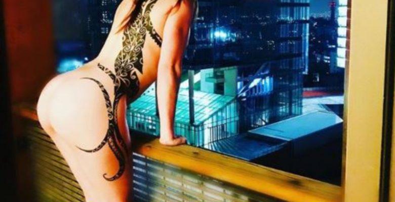 'La Reata' sorprende a sus seguidores con desnudo frente a las calles de la CDMX
