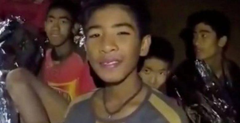 #Milagro: Rescatan con vida a los 12 niños y su entrenador de cueva en Tailandia