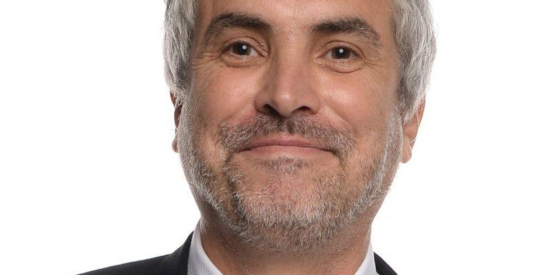 #Yeah: Captan a Alfonso Cuarón echándose unos tacos en CDMX