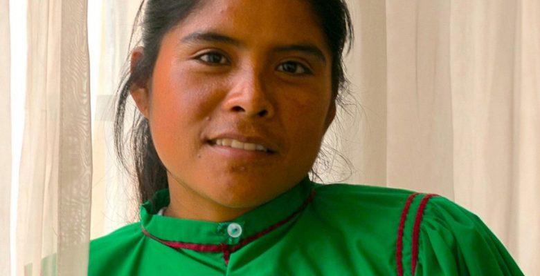 Lorena, la corredora rarámuri, pide apoyo a AMLO para seguir conquistando ultramaratones