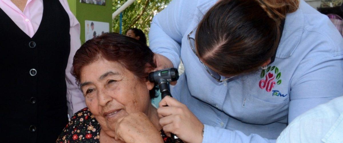 Especialistas presentan propuestas para mejorar el sector salud en México